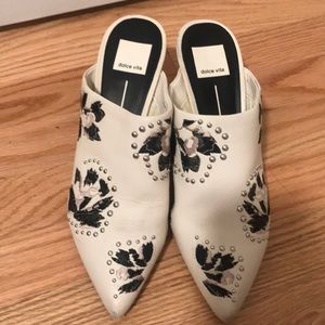 Dolce Vita Embroidered Mules | Size 8.5